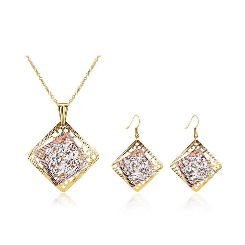 High Quality New Design Hollow Clover Pendant Necklace Earrings Gold Plated JEWELRY Sets For Women